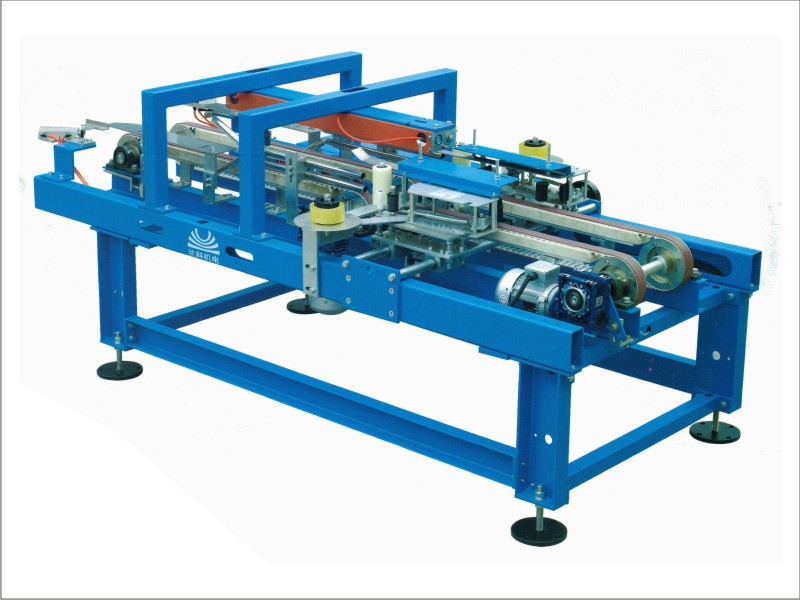 Ceramic tiles box sealing machine
